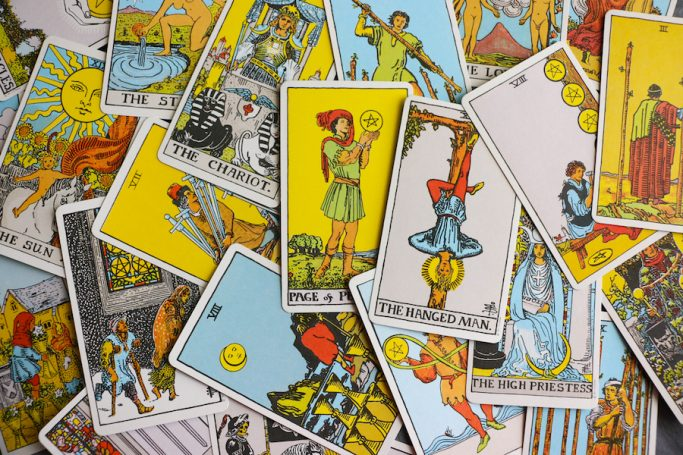 How does tarot work?